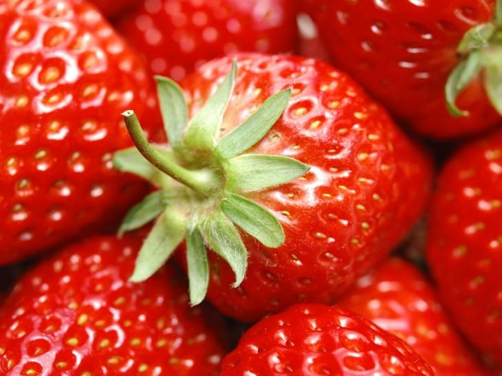 Strawberry-Wallpaper30
