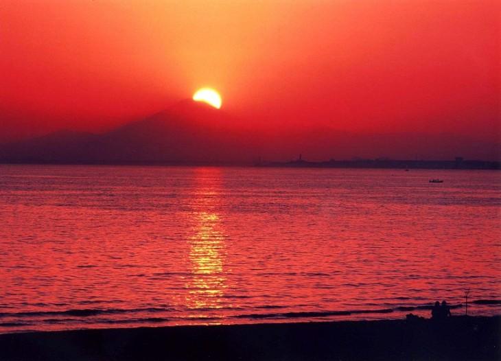 幕張の浜からのダイヤ富士(色協調)