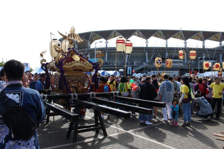 △地元町内会の神輿を担いで練り歩く「みこし大会」も行われていました。