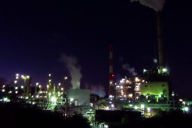 △続いて、入道樋門公園から 「ポリプラスチックス株式会社」様の工場夜景を見学しました。