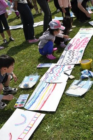 """えのぐとなかよし ペタッ コロコロ サッ """"美術館の庭に海をつくろう""""@千葉県立美術館<5/5(祝)>"""