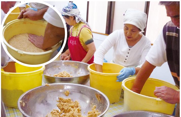 ▲仕込むのはどこか懐かしい風味で比較的甘口の無添加・天然醸造の味噌